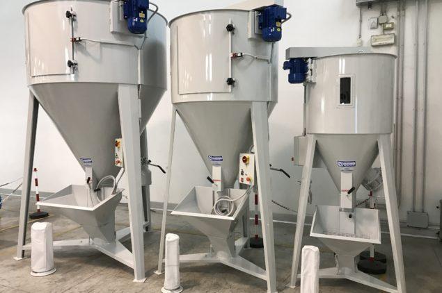 silos mescolatori verticali materie plastiche